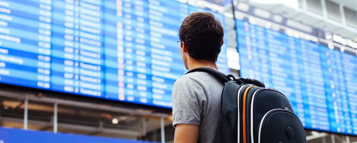 Painel de voos aeroporto